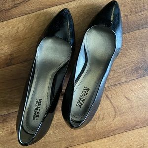 Kenneth Cole Reaction Black Leather Heel Pumps 10